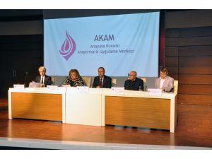 Turgut Özal Üniversitesi'nde 'İnsan onuru' konuşuldu