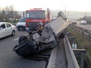 TEM Otoyolu'nda otomobil takla attı: 2 yaralı