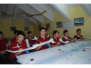 Liselilerin Havacılık Merakı