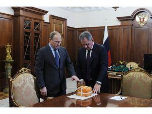 Düşürülen Rus savaş uçağının kara kutusu açılıyor