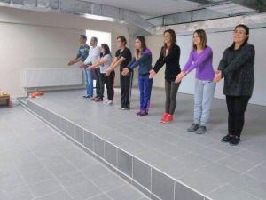 Nevşehir Yöresi Oyunlarını Halk Eğitim Merkezinde Öğreniyorlar