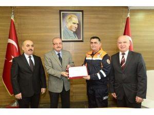 Vali Kocatepe'den AFAD Personeline Başarı Belgesi