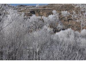 Kars'ta Kış Ve Sonbahar Bir Arada Yaşanıyor