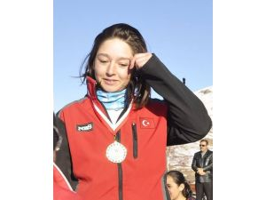 HADAK sporcusu Kayak Milli Takımına seçildi
