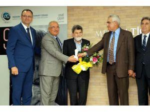 Mersin Kenti Edebiyat Ödülü Cevat Çapan'ın