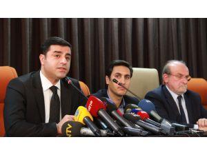 Demirtaş'tan hükümete: Kürt halkına gelince mi kabadayı kesiliyorsunuz?
