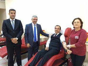 Vali yardımcısından 51. kan bağışı