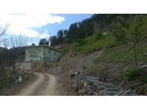Çaybaşı Köyü'nde Voltaj Düşüklüğü Yüzünden Elektrikli Ev Aletleri Çalışmıyor