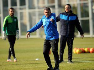 Bursaspor, 5 maç sonra Hamzaoğlu ile kazanmak istiyor