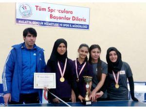 Özel Turgut Özal Lisesi masa tenisinde il birincisi oldu