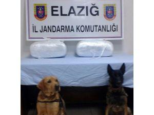 Elazığ'da 20 Kilo Esrar Ve 700 Adet Uyuşturucu Hap Ele Geçirildi