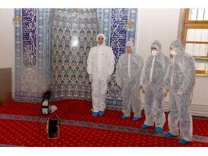Afyon'da cami ve okullarda bakteriye karşı dezenfekte çalışması