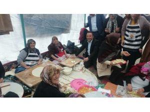 AK Parti Kadın Kollarından Bayır-bucak'a Yardım İçin Kermes Açtı