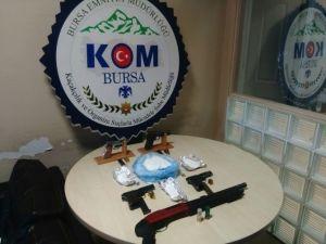 Bursa'daki Uyuşturucu Ve Terör Operasyonunda 9 Tutuklama