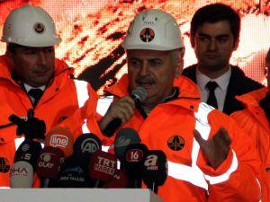 İstanbul-İzmir Otoyolu Selçukgazi Tüneli'nde ışık göründü