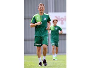 Hamzaoğlu, 3 futbolcuyu Konya'ya götürmedi