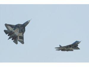"""""""Hindistan, Rusya'nın 5. nesil savaş uçaklarını 2017 yılında teslim alabilir"""""""