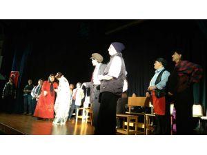'Anam Bacım Avradım' Mudanya'da sahnelendi