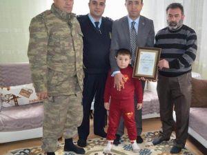 Gürün Kaymakamı Özdemir'den Şehit Ailesine Ziyaret
