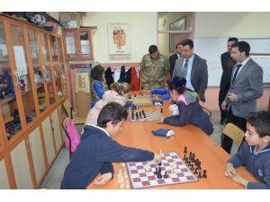 Gürün Kaymakamı Özdemir, Okulları Ziyaret Etti