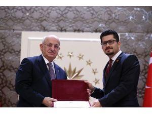 Niğde Üniversitesine Başarılı Genç Bilim İnsanı Ödülü