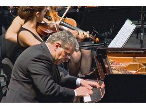 Kamerhan Turan Ve Senfoni Orkestrası'ndan Müzik Ziyafeti