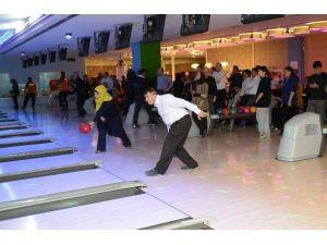 Bowlingde Şampiyon Kültür Ve Sosyal İşler Müdürlüğü