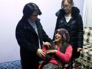 Bedensel Engelli Ayşe Toprak'a Gönül Elçileri Umut Işığı Oldu