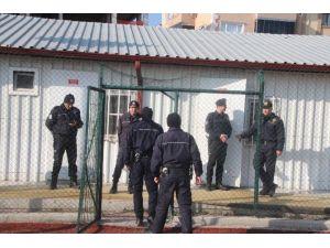 Amatör Maçta Polis Ve Yönetim Arasında Tartışma Çıktı
