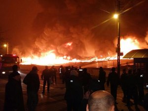 Keçiören Osmanlı Halk Pazarı'nda yangın