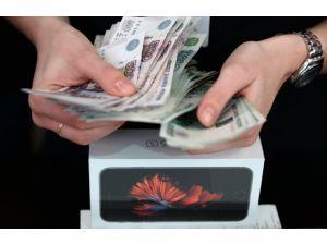Yabancı işçiler, Rusya'dan yurtdışına 33 milyar dolar transfer yaptı
