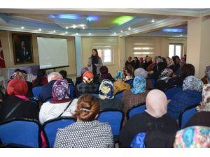 Bayanlara Yönelik Sohbet Ve Konferans Programı Yoğun Katılımla Devam Ediyor