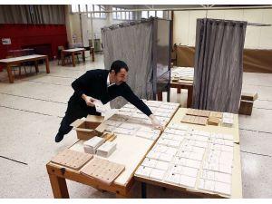 İspanya genel seçimlerinde oy verme işlemi başladı