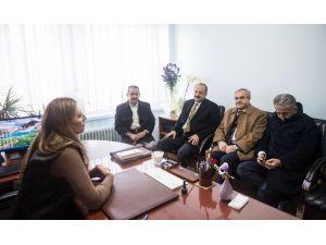 Mamak Belediye Başkanı Akgül'den Kınık İlköğretim Okuluna Ziyaret