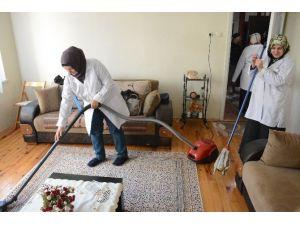 Ortahisar Belediyesinden Yaşlılara Ve Hastalara Şefkat Eli