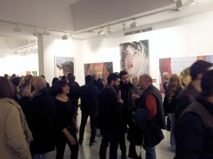 Ressam Mustafa Yüce'nin tablolarına yoğun ilgi