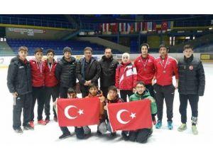 Slovakya'da Yapılan 2015 Yılı Danubia Short Track Yarışmasında Türkiye İkinci Oldu