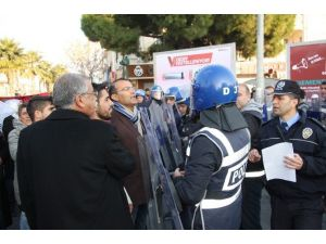 Didim'de İzinsiz Yürüyüşe Polis Müdahalesi…