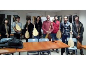 Aydın'da 14-24 Yaş Gurubuna Bağlama Kursu