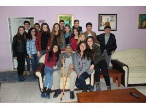 Çan Anadolu Lisesi Öğrencileri Bisev Huzurevini Ziyaret Etti