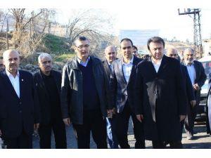 AK Parti Milletvekili Güvenç Yol Çalışmalarını İnceledi