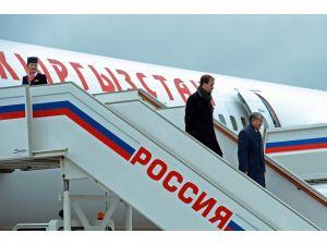 Kırgız Cumhurbaşkanı Atambayev Rusya'da