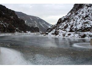 Erzurum'da 'Buz'dan Şelaleler Oluştu