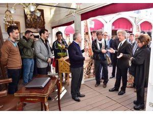 Başkan Demircan, Çukurcuma Antikacılarını Ziyaret Etti