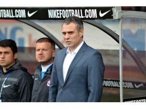 Trabzonspor'da Ersun Yanal İsmi Ağırlık Kazandı