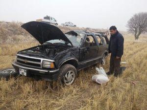 Otomobil Buzlu Yolda Takla Attı 1 Yaralı