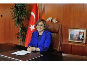 Büyükşehir Belediye Başkanı Fatma Şahin'den Mevlid Kandili'ni Kutlandı