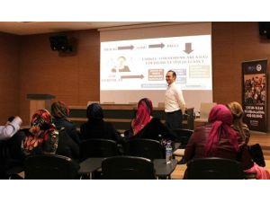Sosyal Gelişim Merkezinde Dersler Devam Ediyor