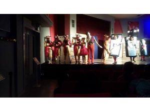 Orfeo'ya Akhisar'da Yoğun İlgi