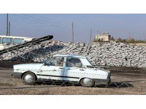 Kömür Yüklenen Otomobil Görenleri Hayrete Düşürdü